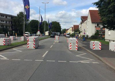 Geöffnete Straßensperre